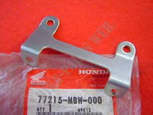RR COWL HONDA 77215-MBW-000 STAY